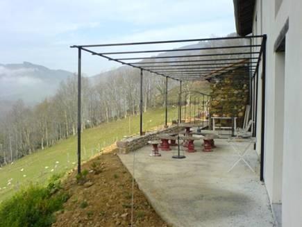 MS01-Maison basque en flanc de montagne : salaberria03